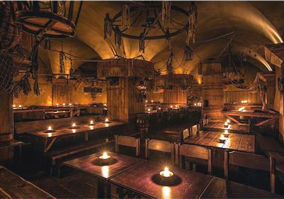 Só não venda a alma (por um preço baixo) Medieval-tavern